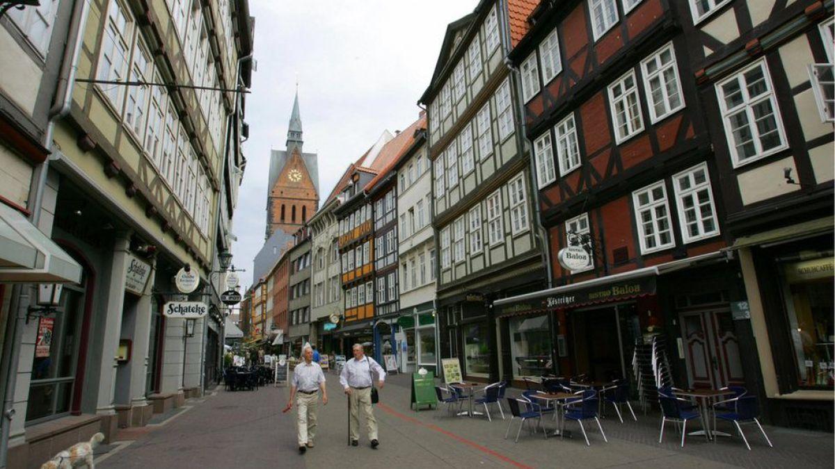 Alemania evacua habitantes por bombas de la IIGM