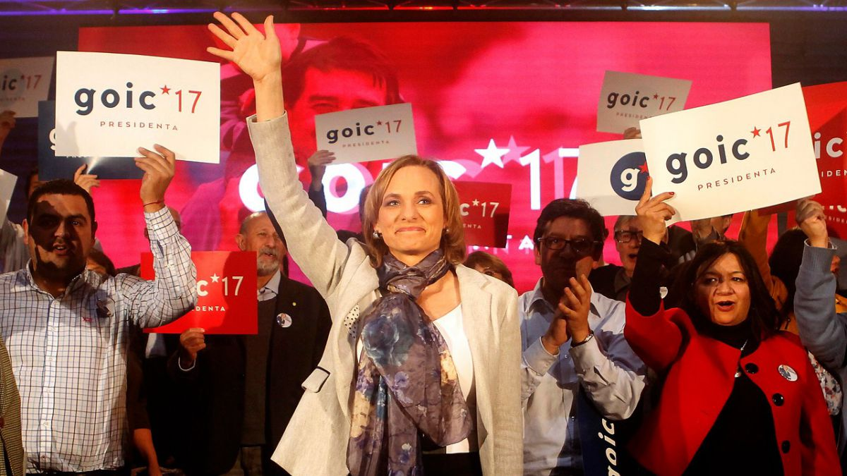 Carolina Goic inscribe su candidatura presidencial: la DC nunca votará por Piñera
