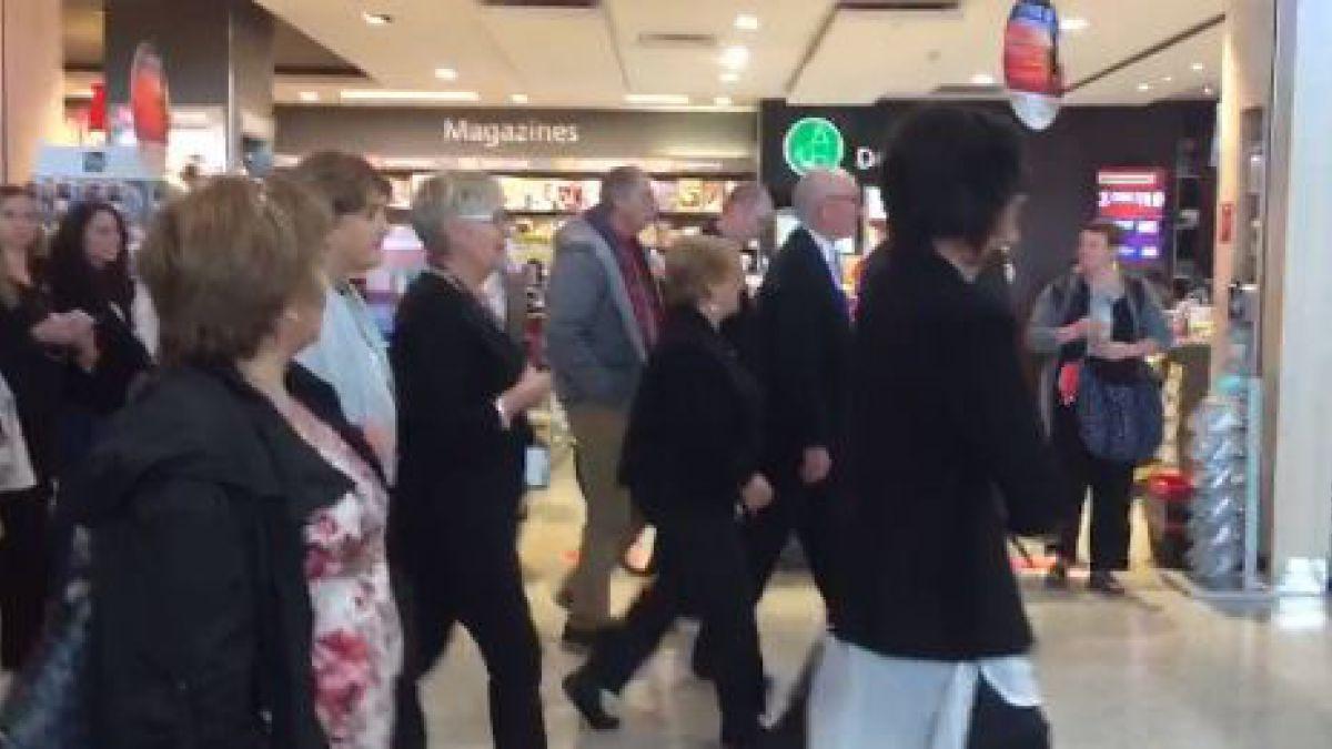 Evacuan a Presidenta Bachelet por alarma de incendio en aeropuerto de Nueva Zelanda