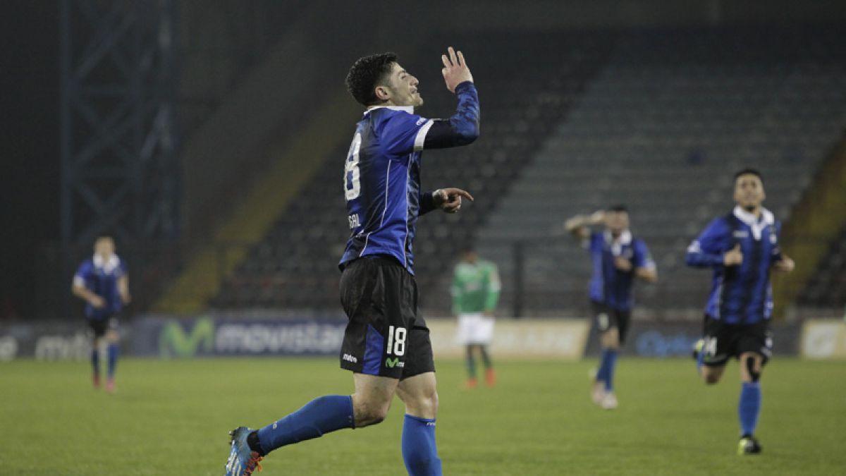 Wanderers aplastó 4-1 a Huachipato con un hat-trick de Farfán
