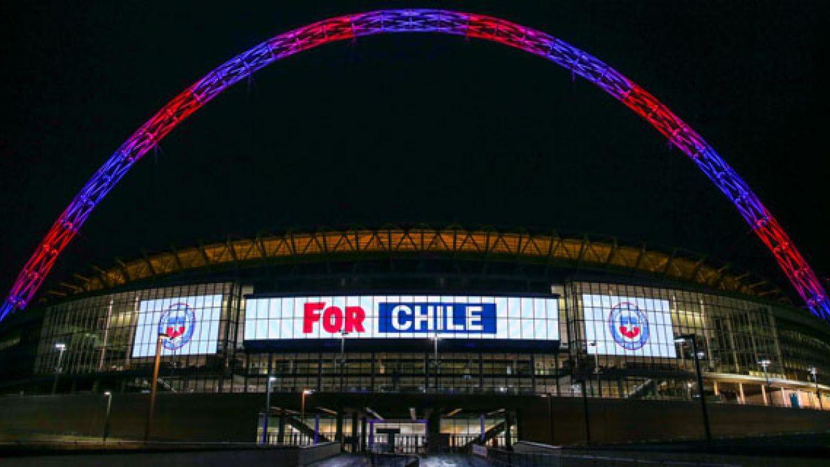 """Estadio de Wembley celebra aniversario y se ilumina con los colores de """"La Roja"""""""