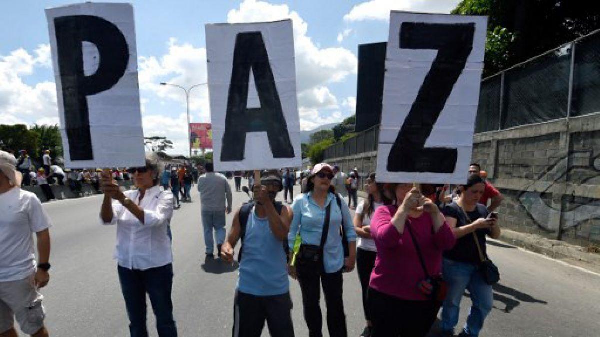 Gobernador de La Guajira niega presencia de carros blindados en Paraguachón