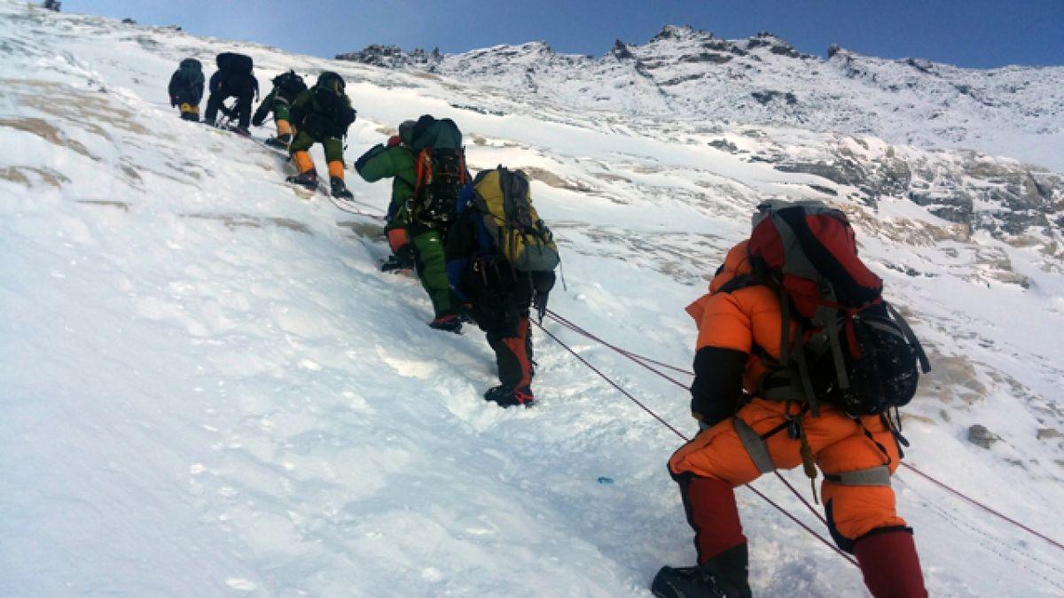 Chile alcanza por séptima vez la cumbre del Everest
