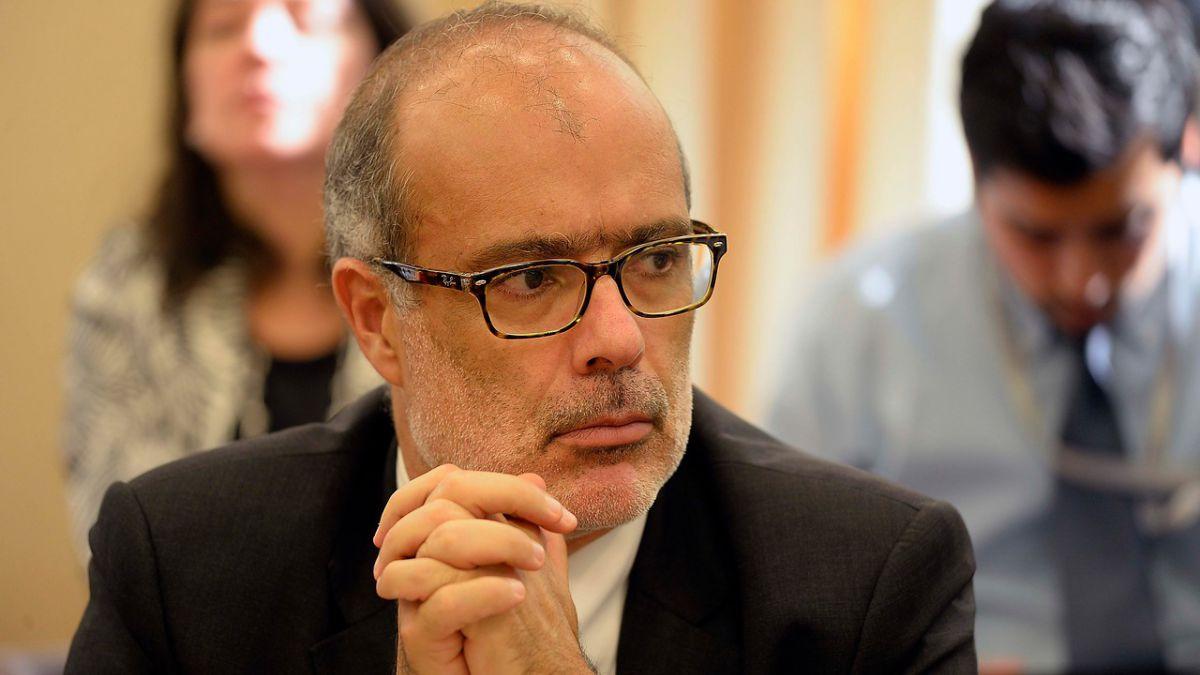 Ministro Valdés adelanta un presupuesto prudente por menor recaudación
