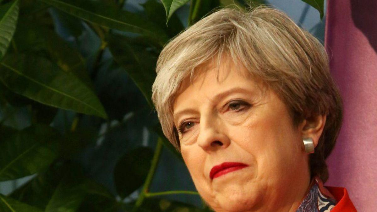 Dimiten consejeros de primera ministra británica Theresa May