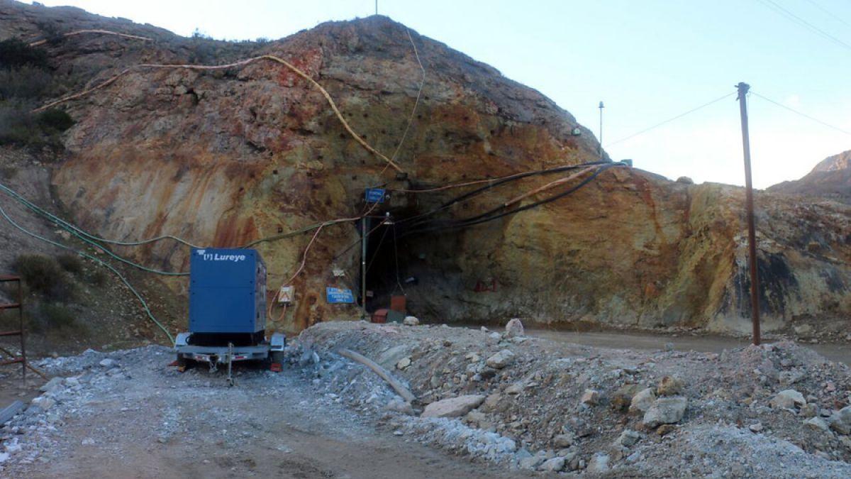 Arduas tareas de rescate para salvar a dos mineros en Chile