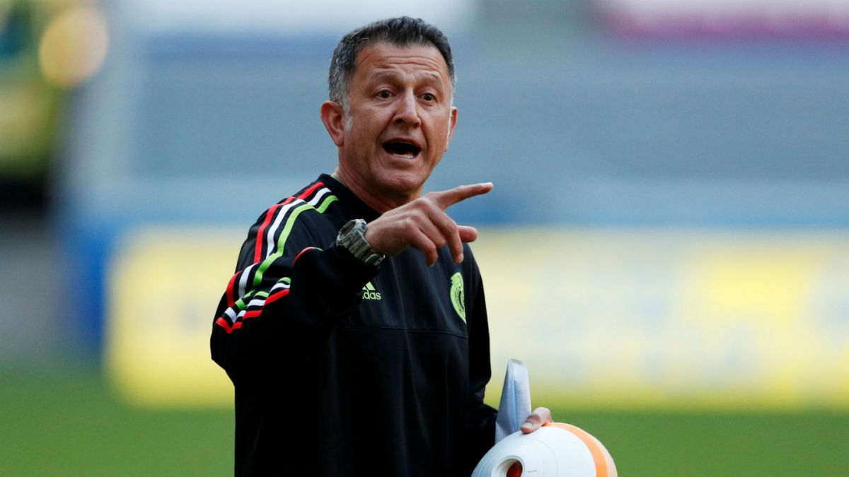 Hugo Sánchez quiere sacar a Osorio — Copa Confederaciones