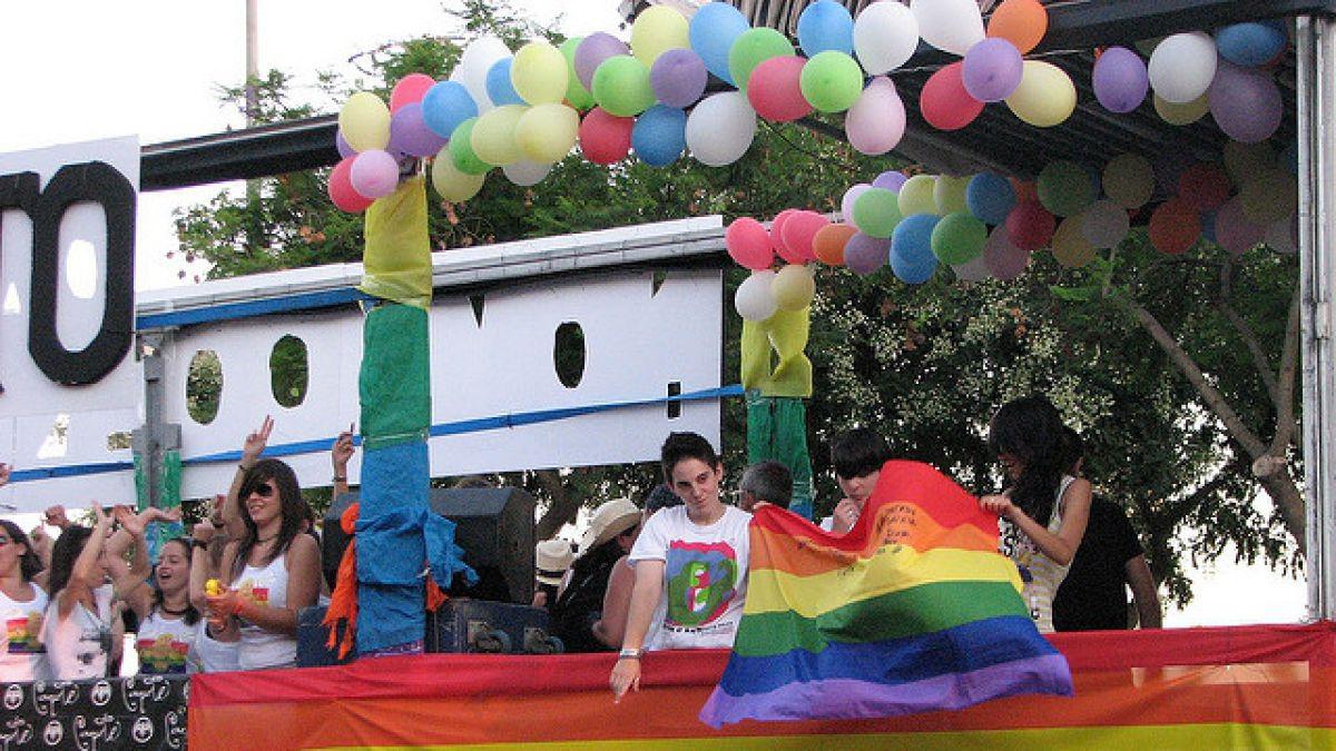 Cientos de miles acuden al desfile del Orgullo Gay de Brasil