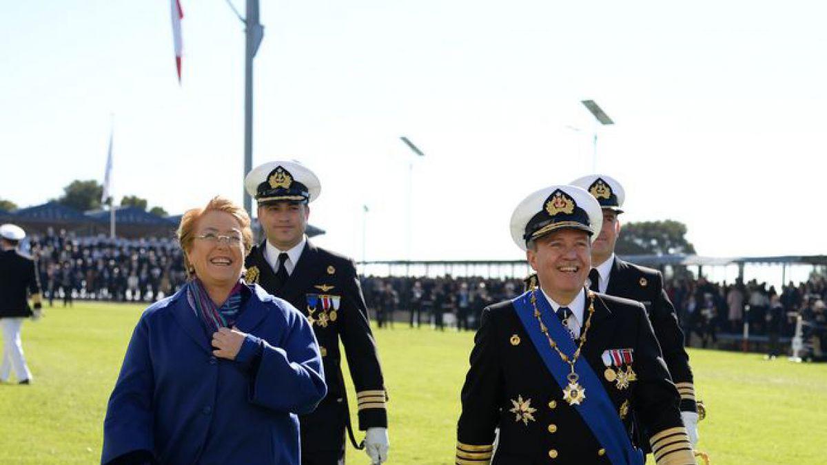 Titular de Marina asiste a cambio de mando en Armada de Chile