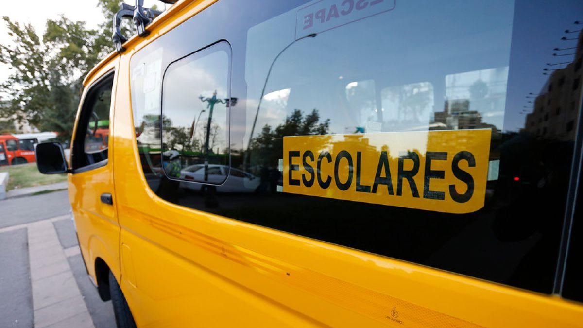 Conductora de furgón que arrolló a familia pidió a escolares guardar secreto