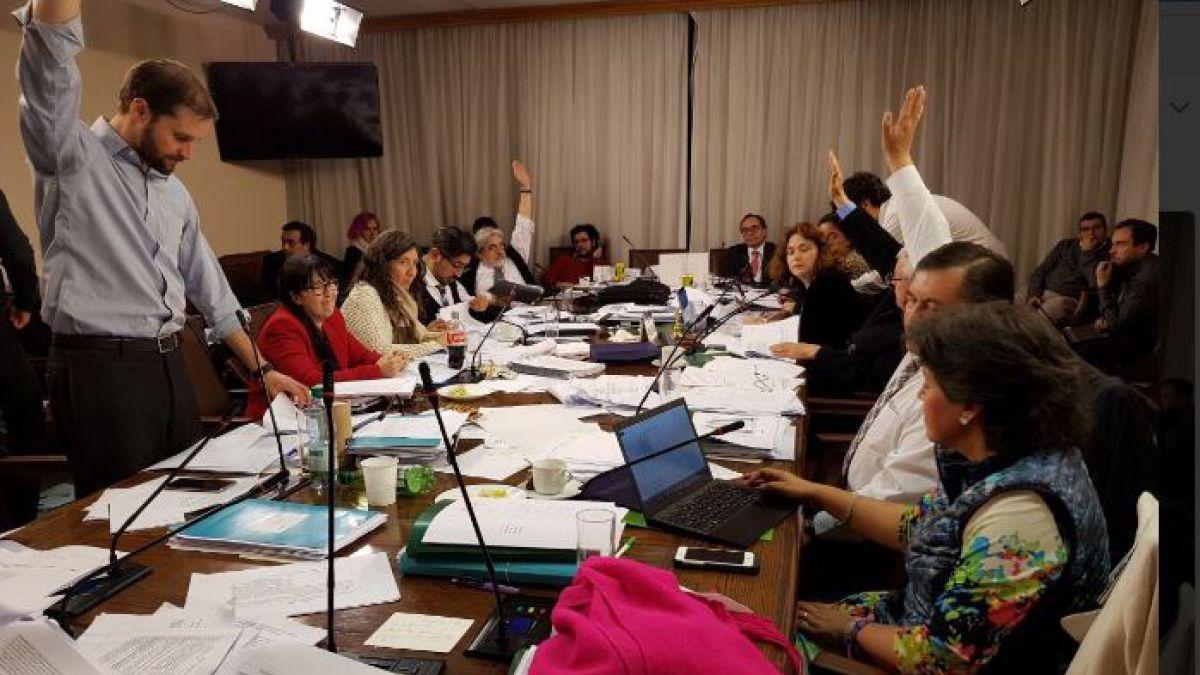Comisión de la Cámara despacha proyecto de educación tras maratónica sesión