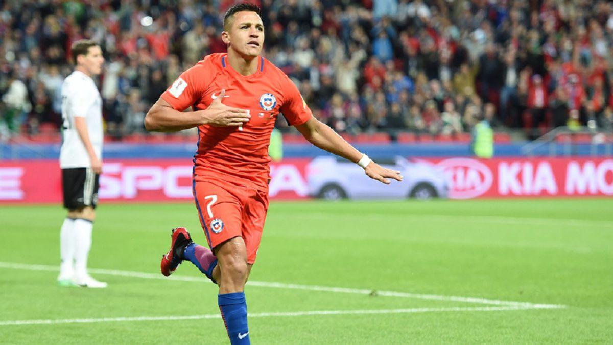 Alexis doblemente histórico: Iguala a Bravo como el jugador con más partidos por Chile