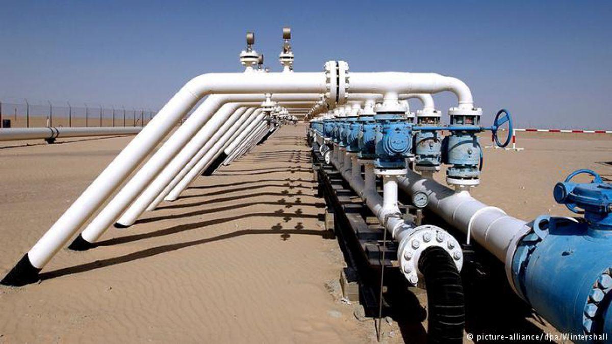 Precio del petróleo se desploma
