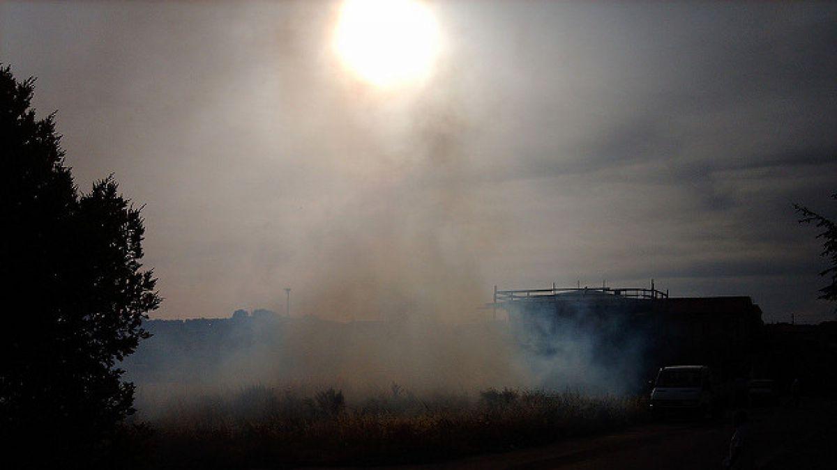 Al menos 1.800 evacuados por incendio que llega a parque natural español