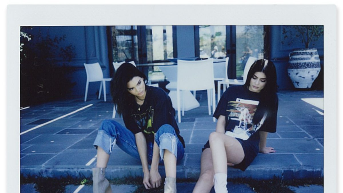 Hermanas Jenner causan polémica por usar imágenes de artistas sin autorización