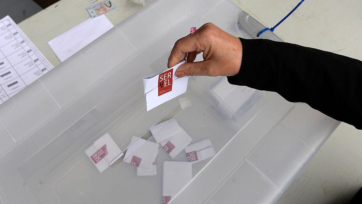 Detienen a dos militares por fumar marihuana en un local de votación