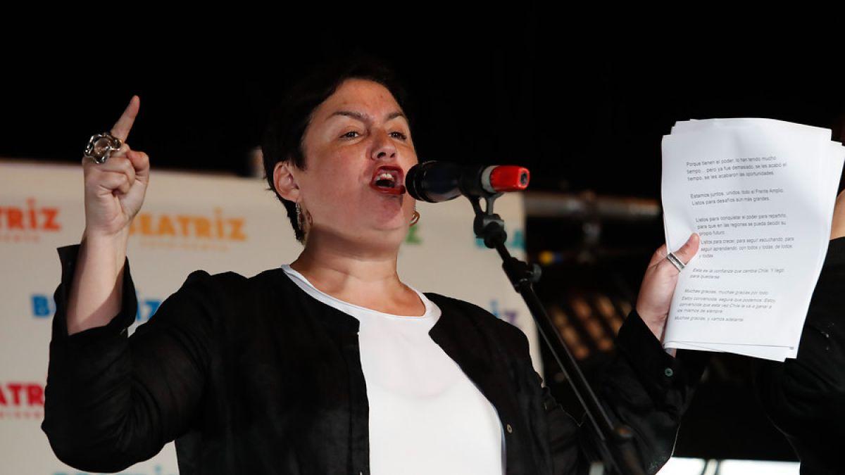 Cadem: Beatriz Sánchez supera por primera vez a Alejandro Guillier en intención de voto