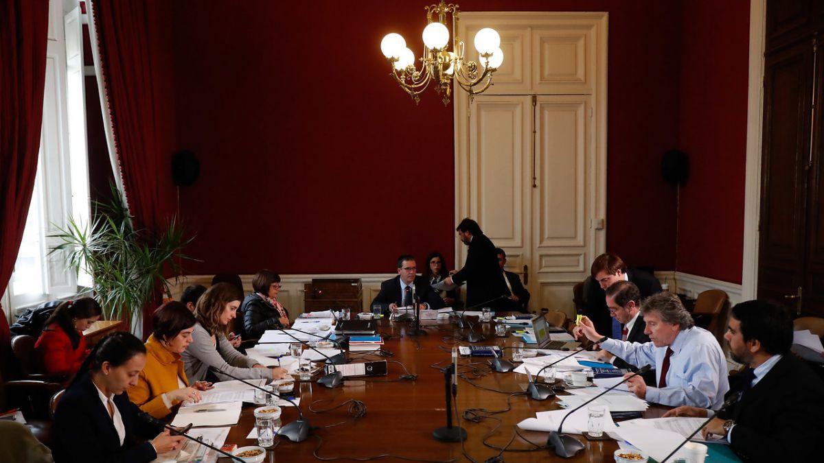 Comisión de Constitución del Senado aprobó proyecto aborto en 3 causales