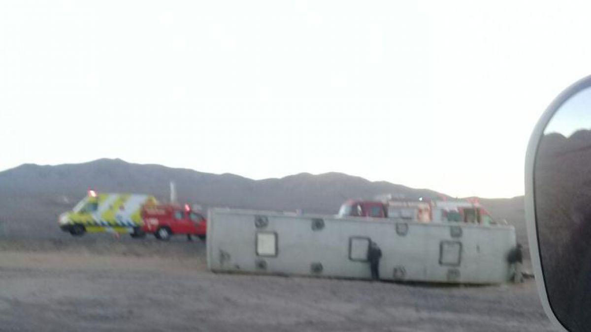 Varios heridos por volcamiento de Turbus en la Región de Antofagasta
