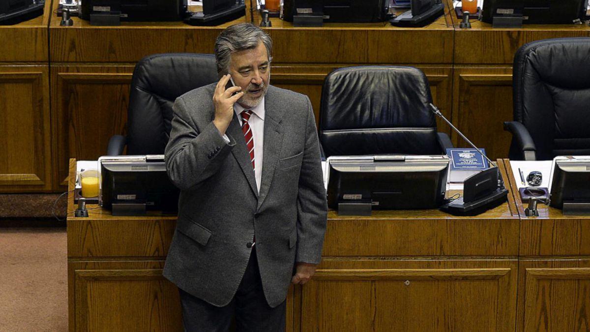 Chile Vamos y Frente Amplio responden por inscripciones irregulares de partidos