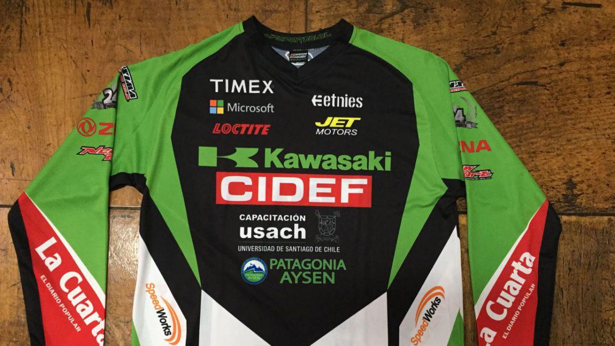 ¡Concursa junto a D13 Motos! Piloto Patricio Cabrera te invita a ganar su increíble camiseta