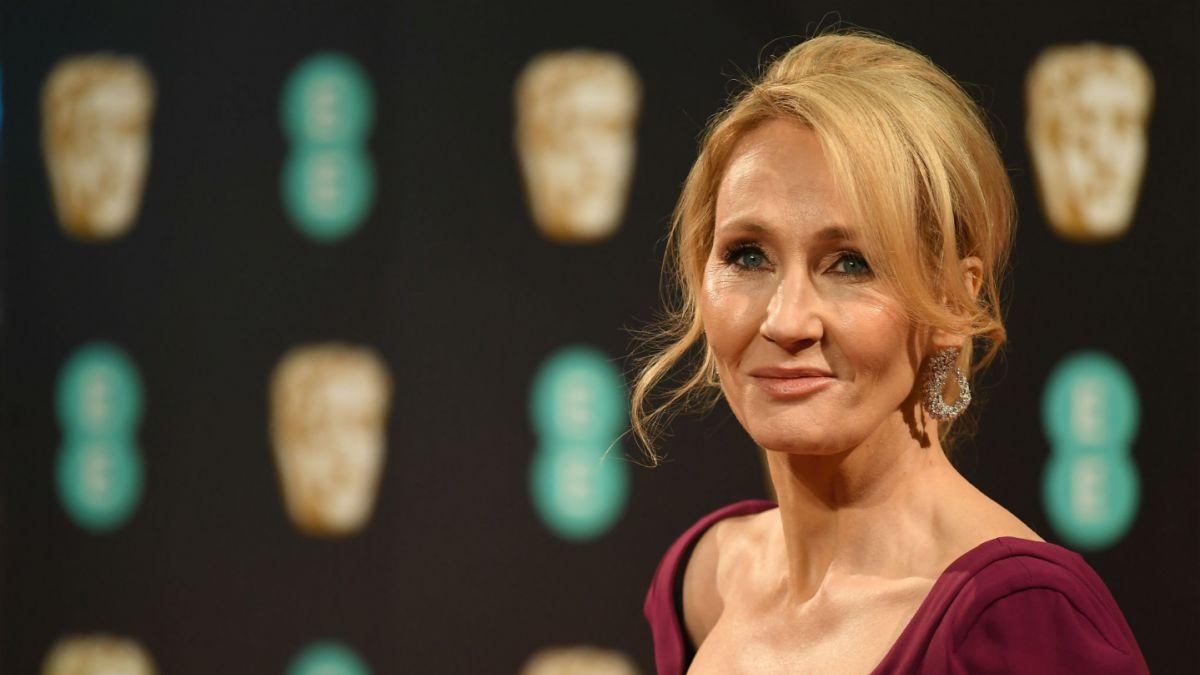 JK Rowling escribió manuscrito en un vestido de fiesta