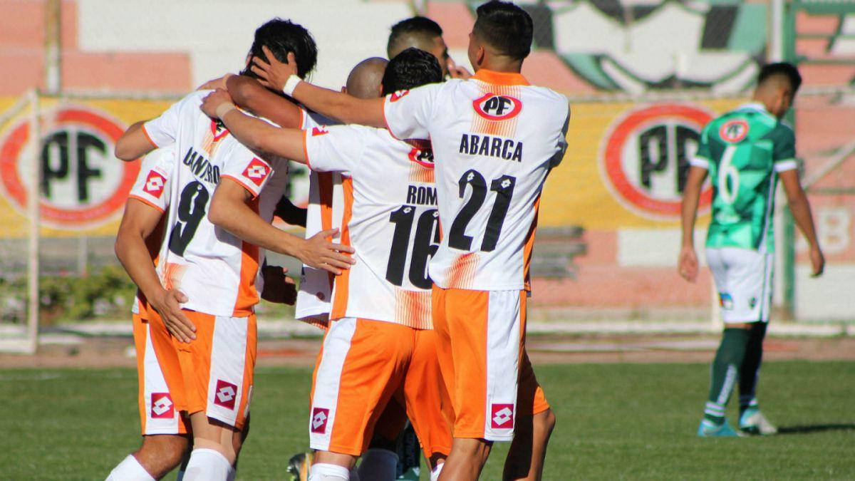 Cobresal derrota a Santiago Wanderers en El Salvador por Copa Chile