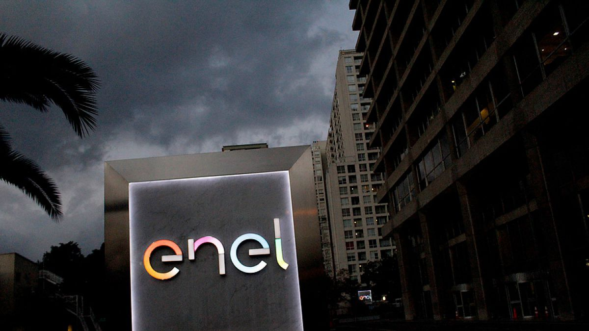 7.500 clientes siguen sin energía eléctrica en región Metropolitana tras nevazón