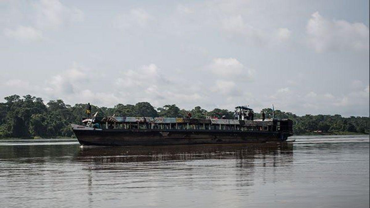 Al menos 27 muertos y 54 desaparecidos por naufragio en río de RD Congo