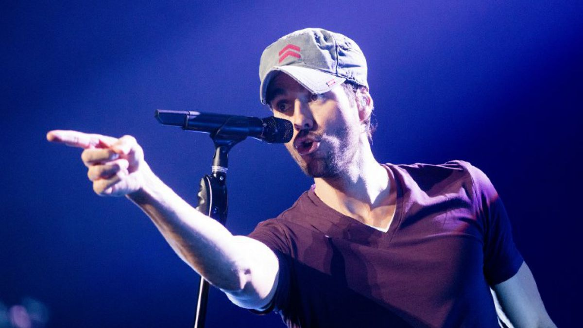 Enrique Iglesias es abucheado en concierto en su país