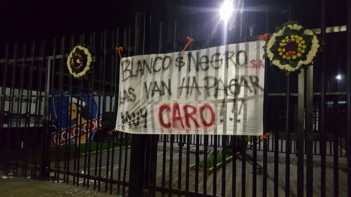 Colo Colo anunció acciones legales por rayado contra Aníbal Mosa