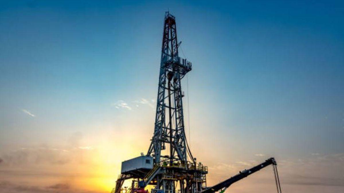 Reservas de crudo de Arabia Saudita caen a mínimo desde 2012