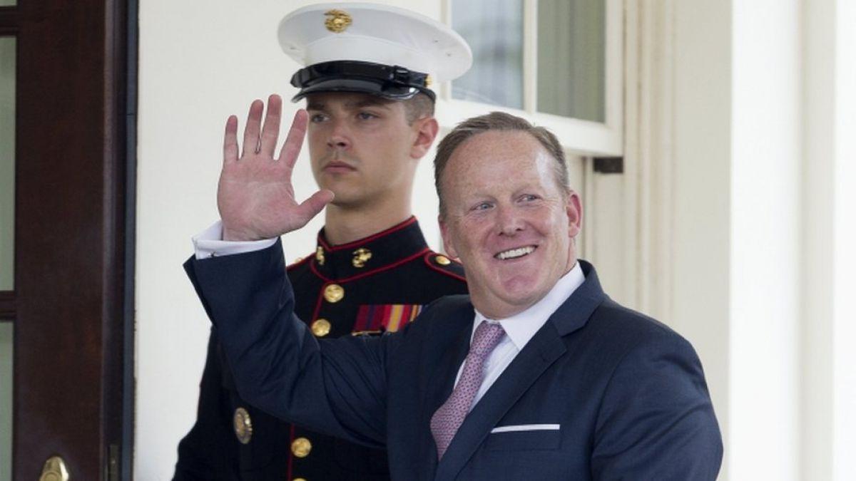 Renuncia Sean Spicer, secretario de prensa de la Casa Blanca