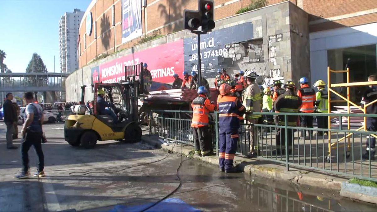 Videos: camión sin frenos impactó contra el Mall Marina Arauco