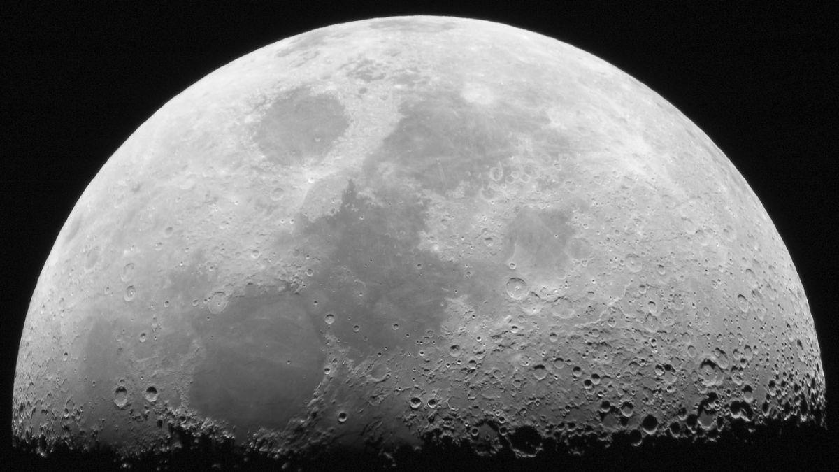 Estudio demuestra nueva evidencia de agua en la Luna