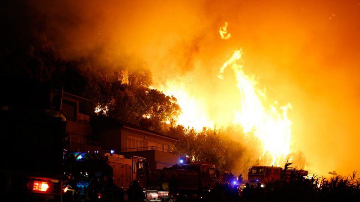 Incendios forestales arrasan 3.000 hectáreas en el sur de Francia