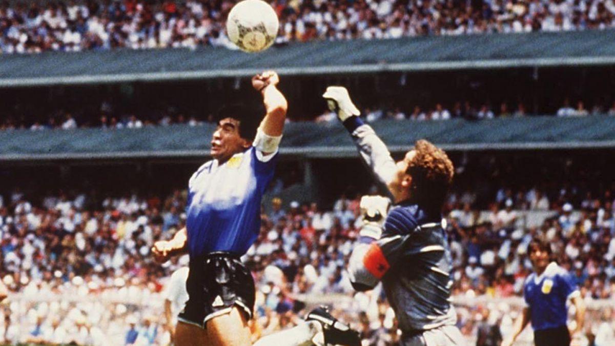 A Pesar De La Mano De Dios Maradona Apoya El Uso De Videoarbitraje