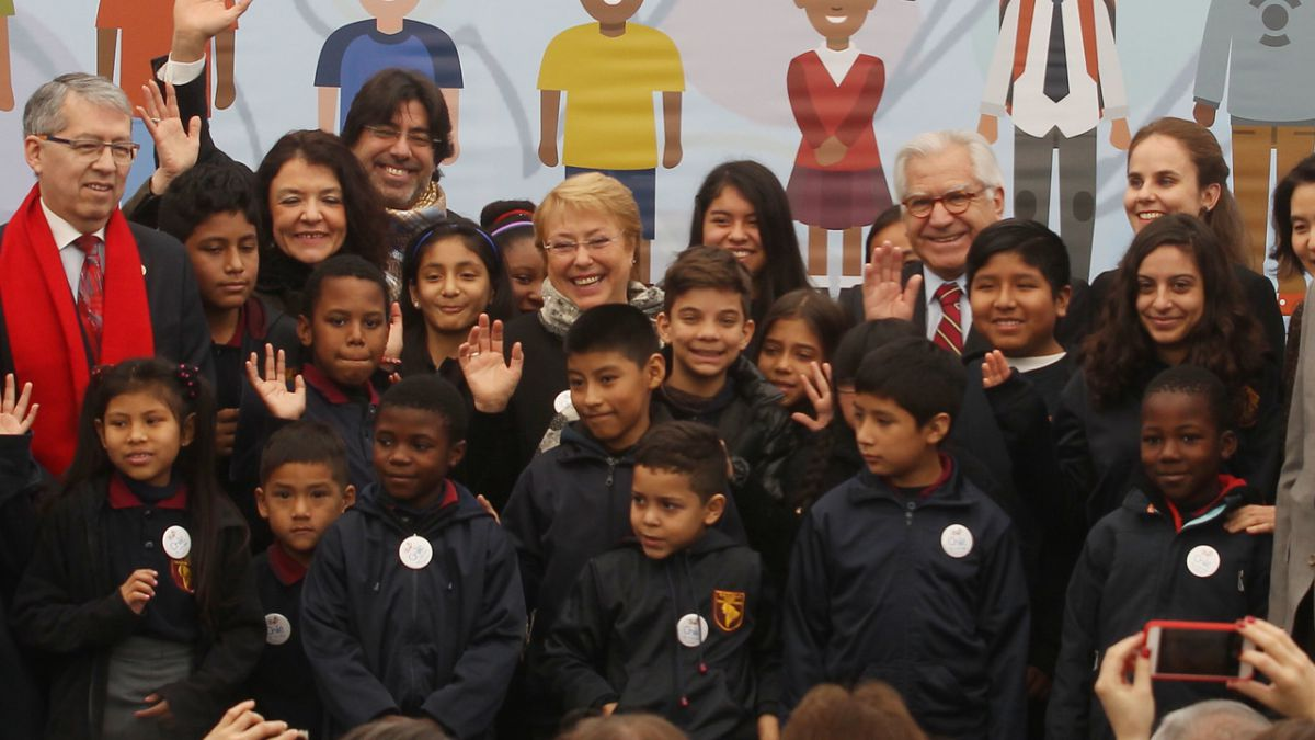 Chile crea visa especial para regularizar situación de niños migrantes