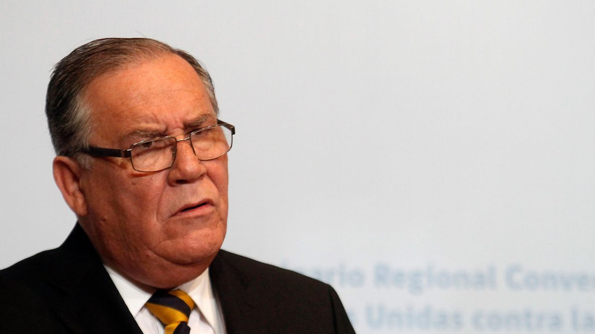 Ministro de Justicia anuncia creación de notarías para enfrentar
