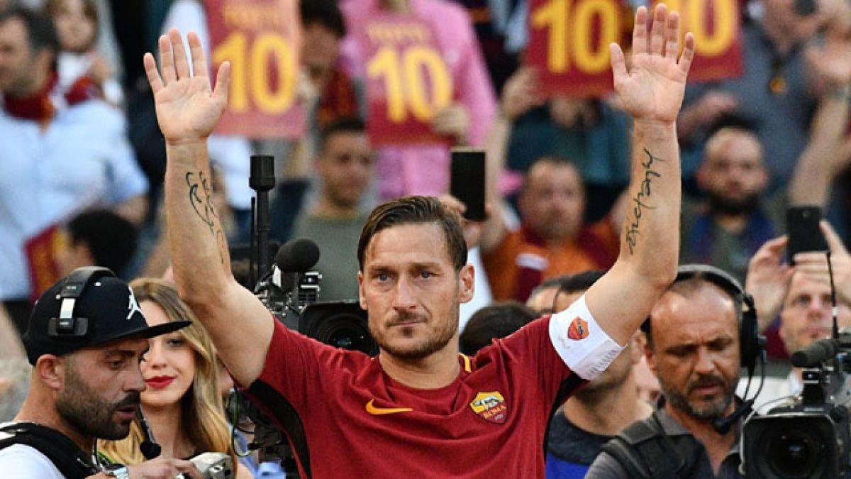 ¡Al infinito y más allá! Envían la camiseta de Totti al espacio