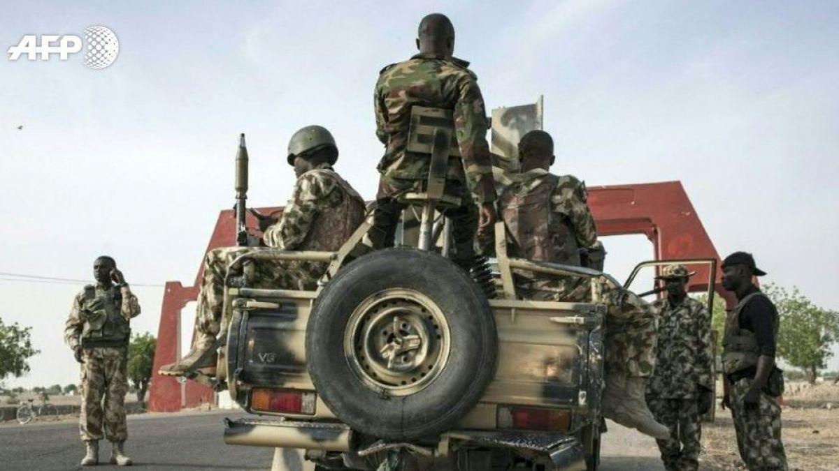 Comando ataca iglesia en Nigeria; al menos 8 muertos