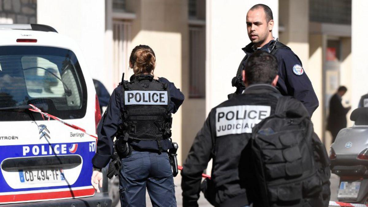 6 militares fueron atropellados por un agresor — Francia