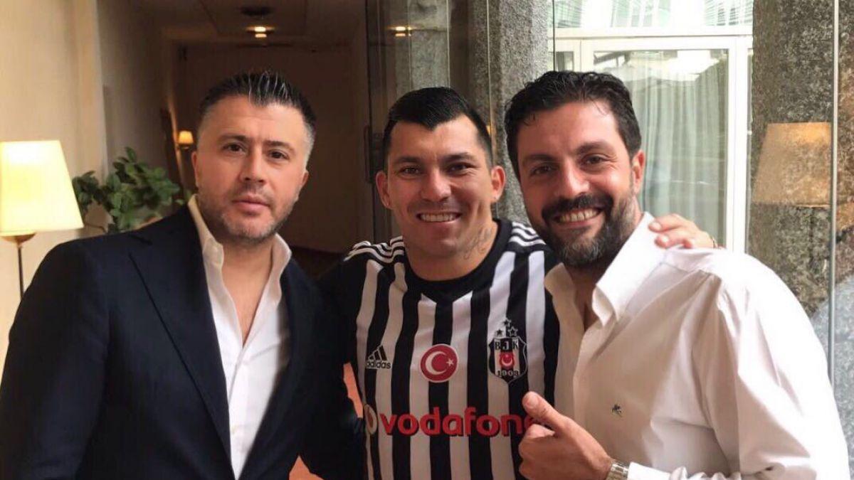 El chileno Gary Medel viaja a Turquía para fichar con Besiktas
