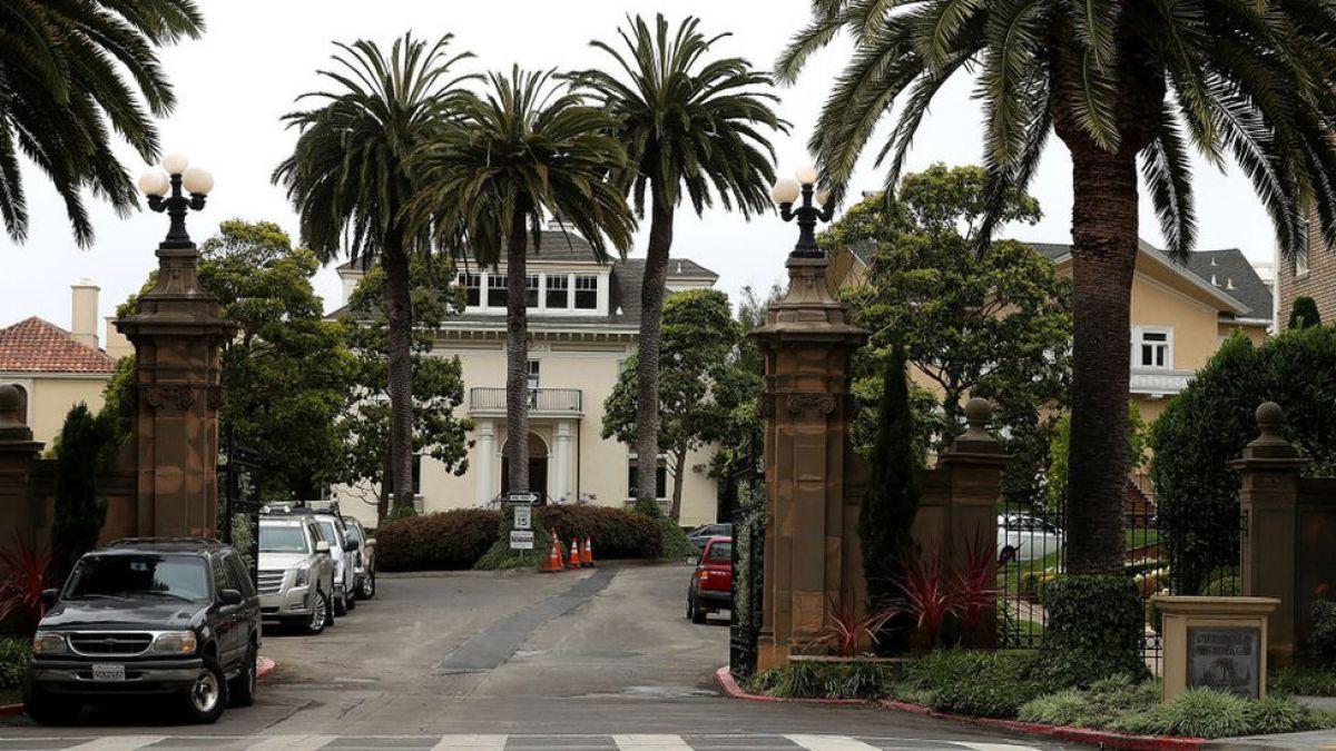 Pareja compra una lujosa calle de San Francisco por solo US$90.000