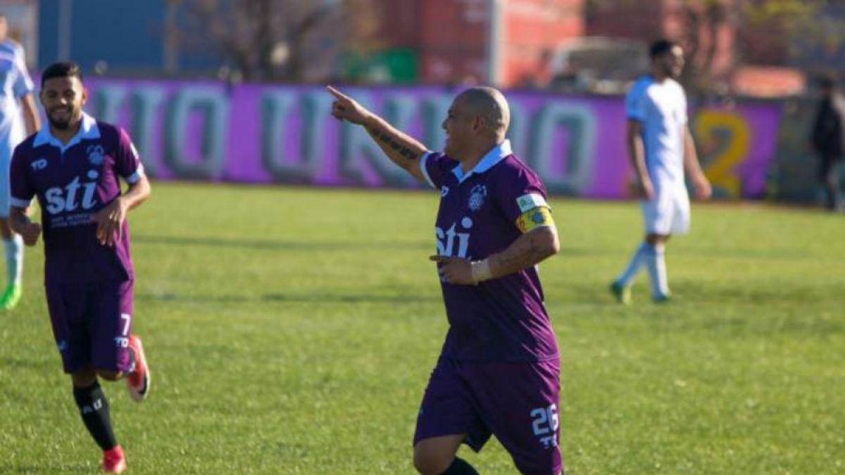 Humberto Suazo marca dos goles y brinda triunfo a San Antonio en Segunda División