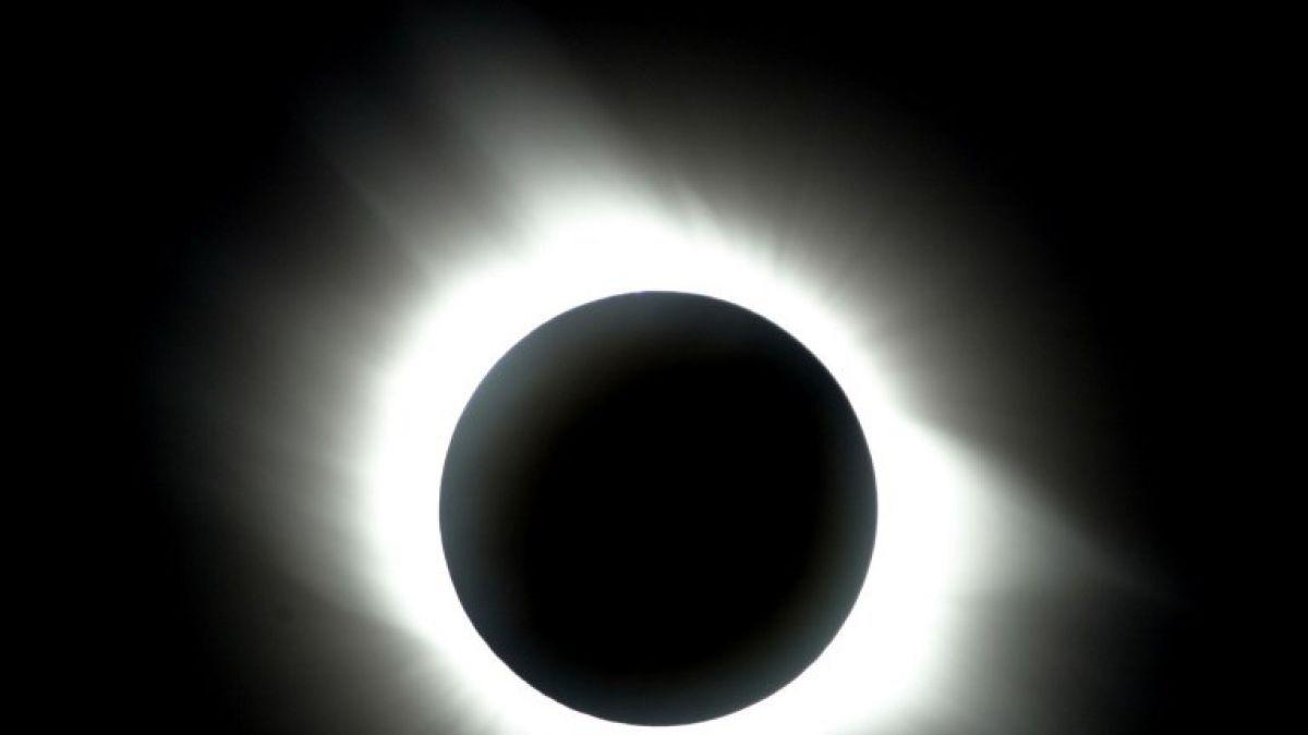 Estados Unidos espera su primer eclipse solar total en 99 años