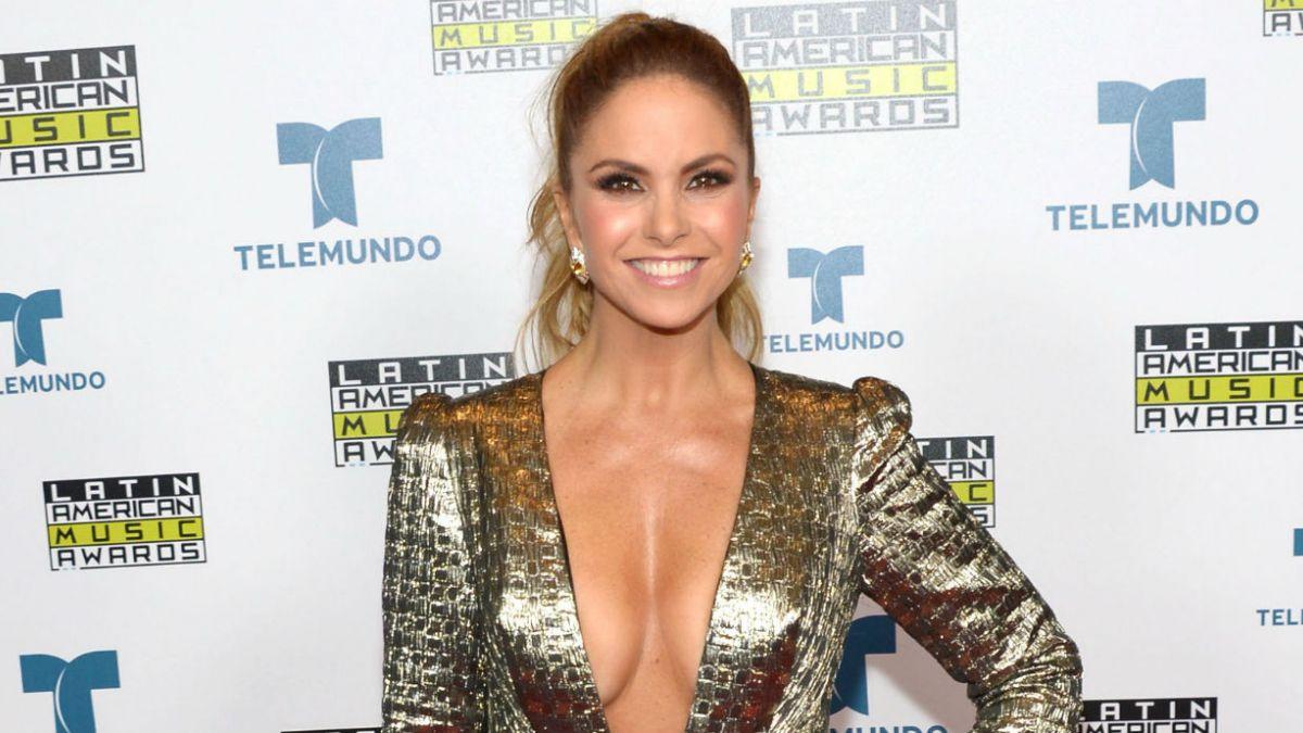 Marisa Petroro,Michelle Thorne XXX pics & movies Isa Bellini,Chris Noel