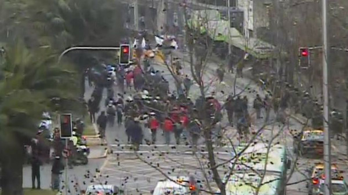 Una marcha estudiantil fue reprimida por Carabineros en el centro de Santiago