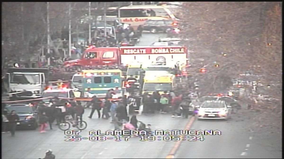 Atropello múltiple con camión robado dejó cuatro personas lesionadas en la Alameda