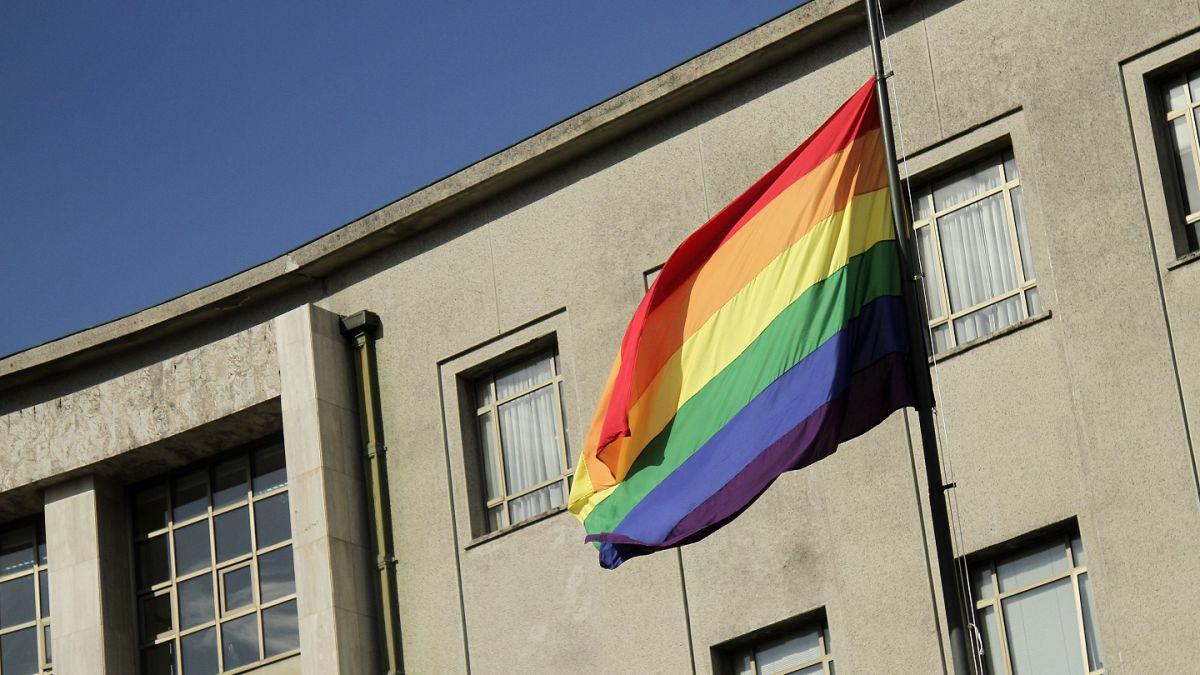 Bachelet firma proyecto de matrimonio igualitario y adopción homoparental